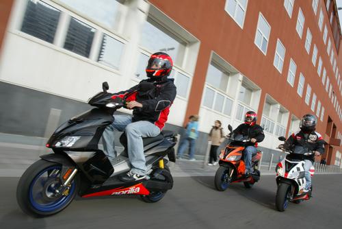 ScooterApriliaSR50group